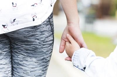 relación hijastra maternidad